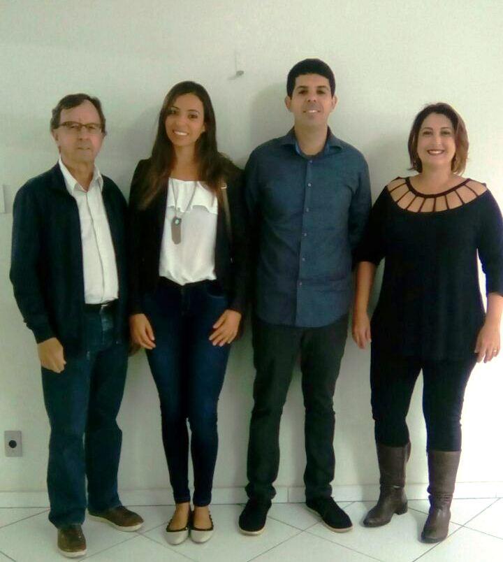 Da esquerda para direita: João Eustáquio de Lima (co-orientador), Cristiana Tristão Rodrigues, João Carlos Silvério Rocha Ferraz (mestrando) e Viviani Silva Lírio (orientadora).